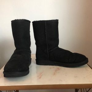Classic Short Black UGG Boots size 9